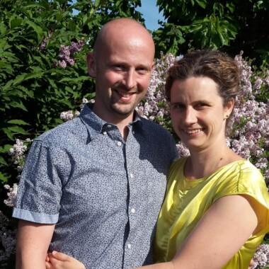 Forældrepar deler deres erfaringer med Hæng ud med Gud i deres familie
