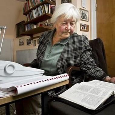 89-årig bibelentusiast: Vigtigt at finde nye veje at formidle Bibelen på